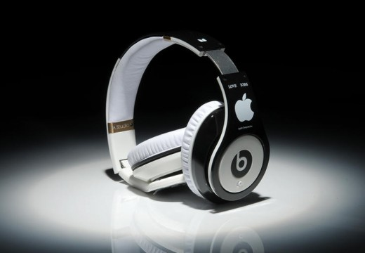 Apple buys Beats
