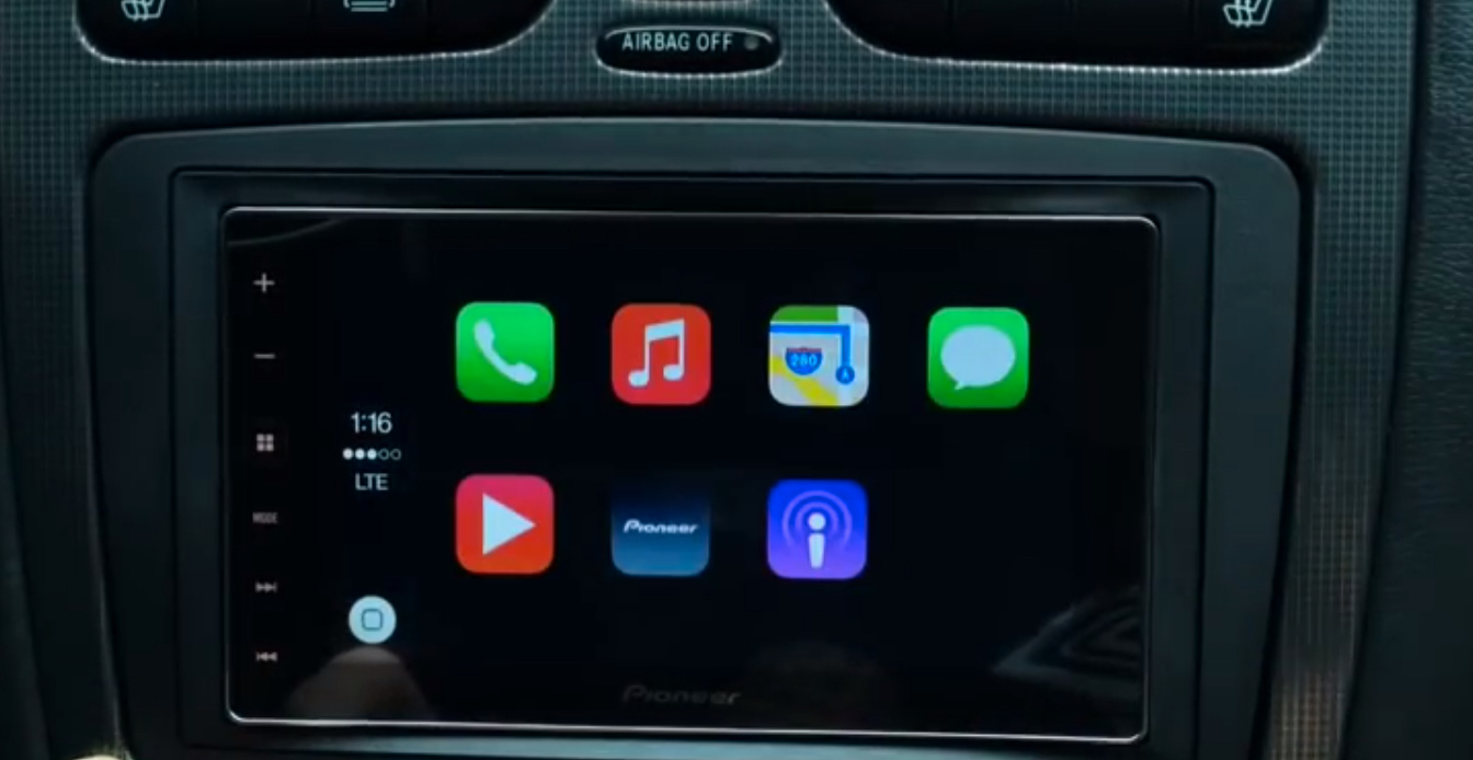 AppRadio-CarPlay